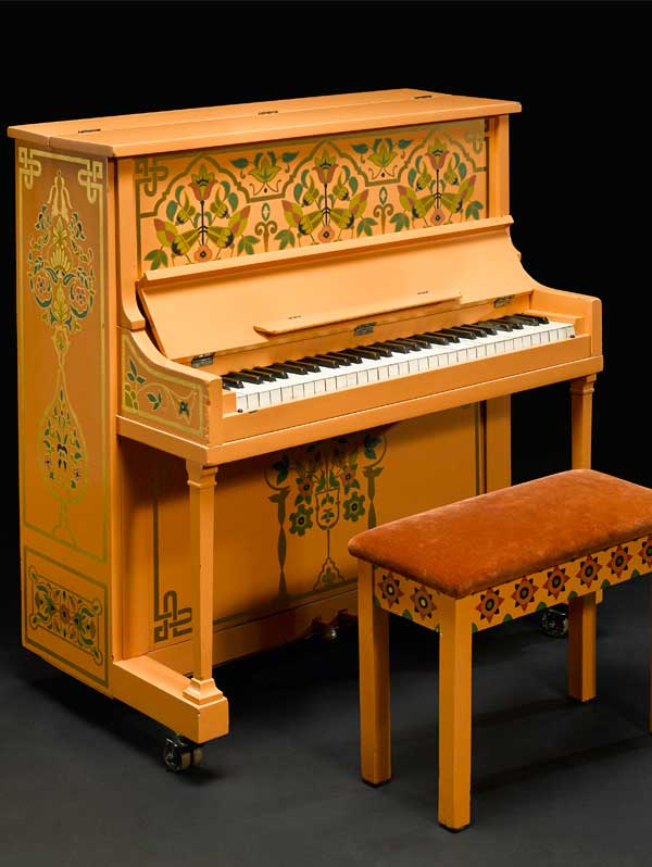 https://www.artsandcollections.com/wp-content/uploads/2018/08/Casablanca-Piano.jpg