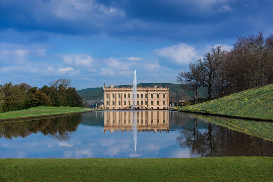 https://www.artsandcollections.com/wp-content/uploads/2018/08/Chatsworth-on-House.jpg