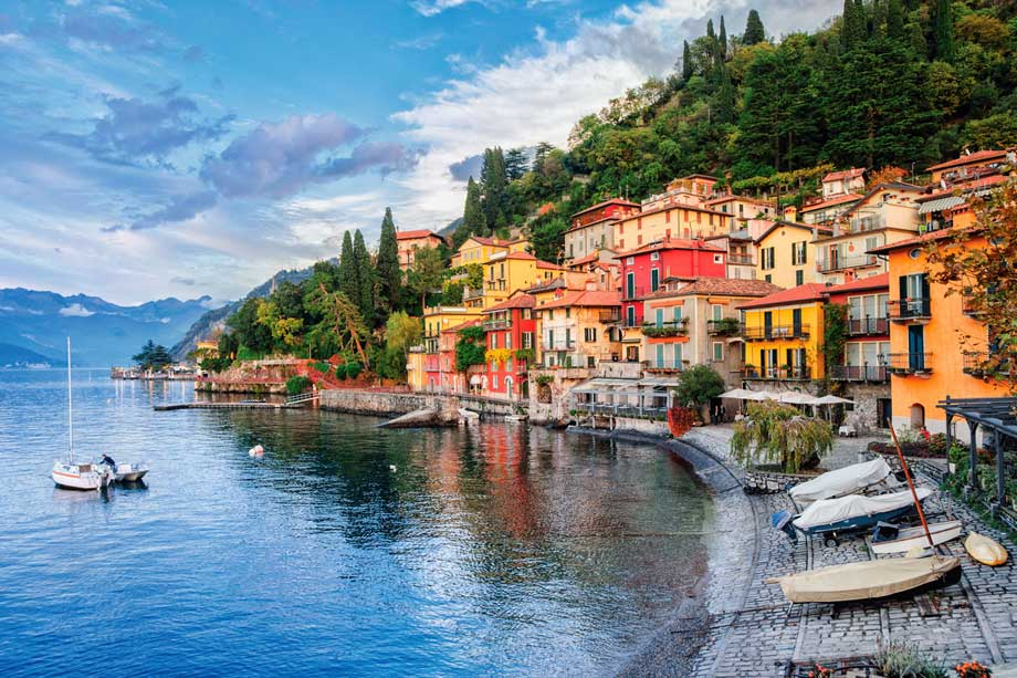https://www.artsandcollections.com/wp-content/uploads/2018/08/Exploring-Lake-Como-.jpg