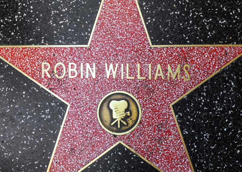 https://www.artsandcollections.com/wp-content/uploads/2018/08/Robin-Williams-collection.1.jpg