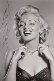 "Autographed ""Marilyn Monroe wearing the Moon of Baroda"" Photograph by Frank Powolny HK$80,000 – 120,000/ US$10,000 – 15,000"