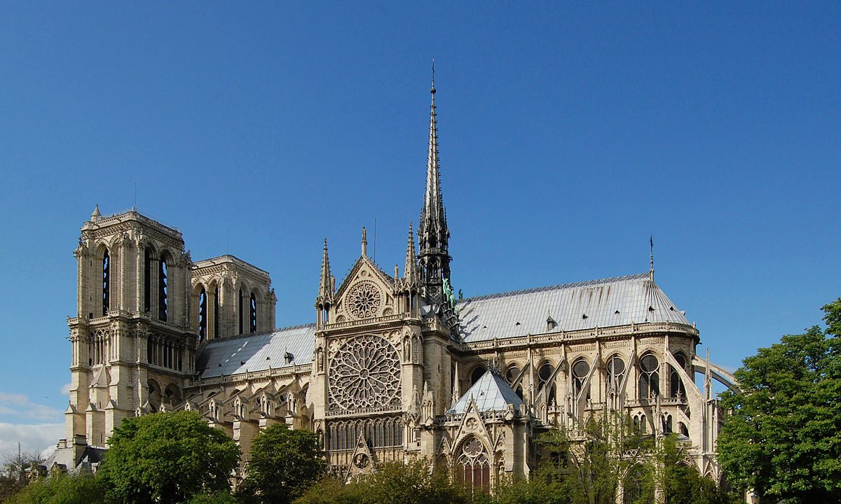 https://www.artsandcollections.com/wp-content/uploads/2019/04/1200px-Notre-Dame_de_Paris_south_facade_28_April_2009-1200x720.jpg