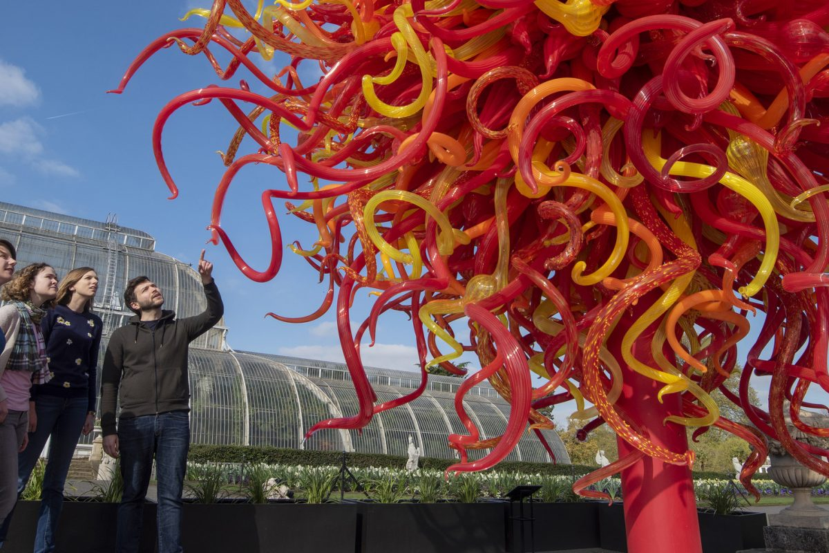 Dale Chihuly Glass Sculptures Showcased at Royal Botanical Gardens Kew