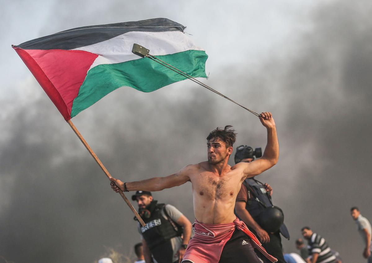 https://www.artsandcollections.com/wp-content/uploads/2019/05/MustafaHassona_PalestineStateof_Professional_DocumentaryProfessional_2019-copy.jpg