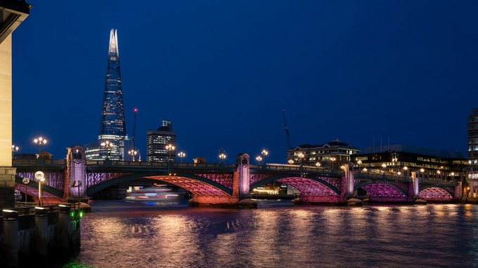 "Leo Villareal's ""Illuminated River"" in London Will Become the World's Longest Artwork"