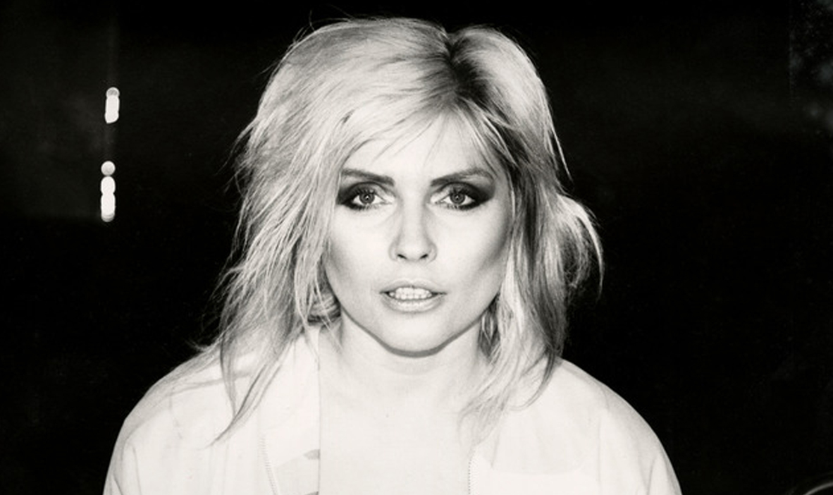 https://www.artsandcollections.com/wp-content/uploads/2019/08/Debbie-Harry-BW-by-Andy-Warho2l.jpg