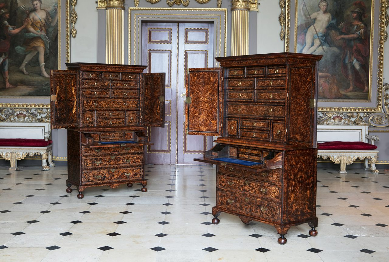 https://www.artsandcollections.com/wp-content/uploads/2019/09/Alexander-George-Antiques-A-pair-of-Coxed-Woster-'mulberry'-on-secretaire-chests-circa-1719-1280x864.jpg