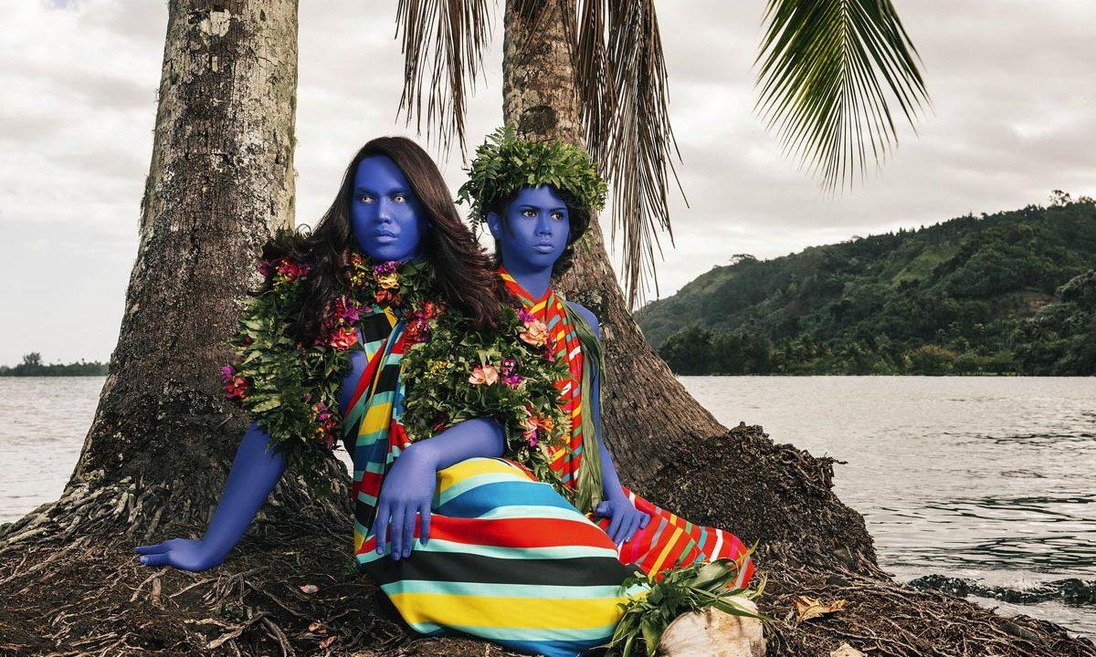 https://www.artsandcollections.com/wp-content/uploads/2019/09/D8C_9995_100x75cm_300DPI_NamsaLeuba_2019_Tahiti-copie-1-1200x720.jpg