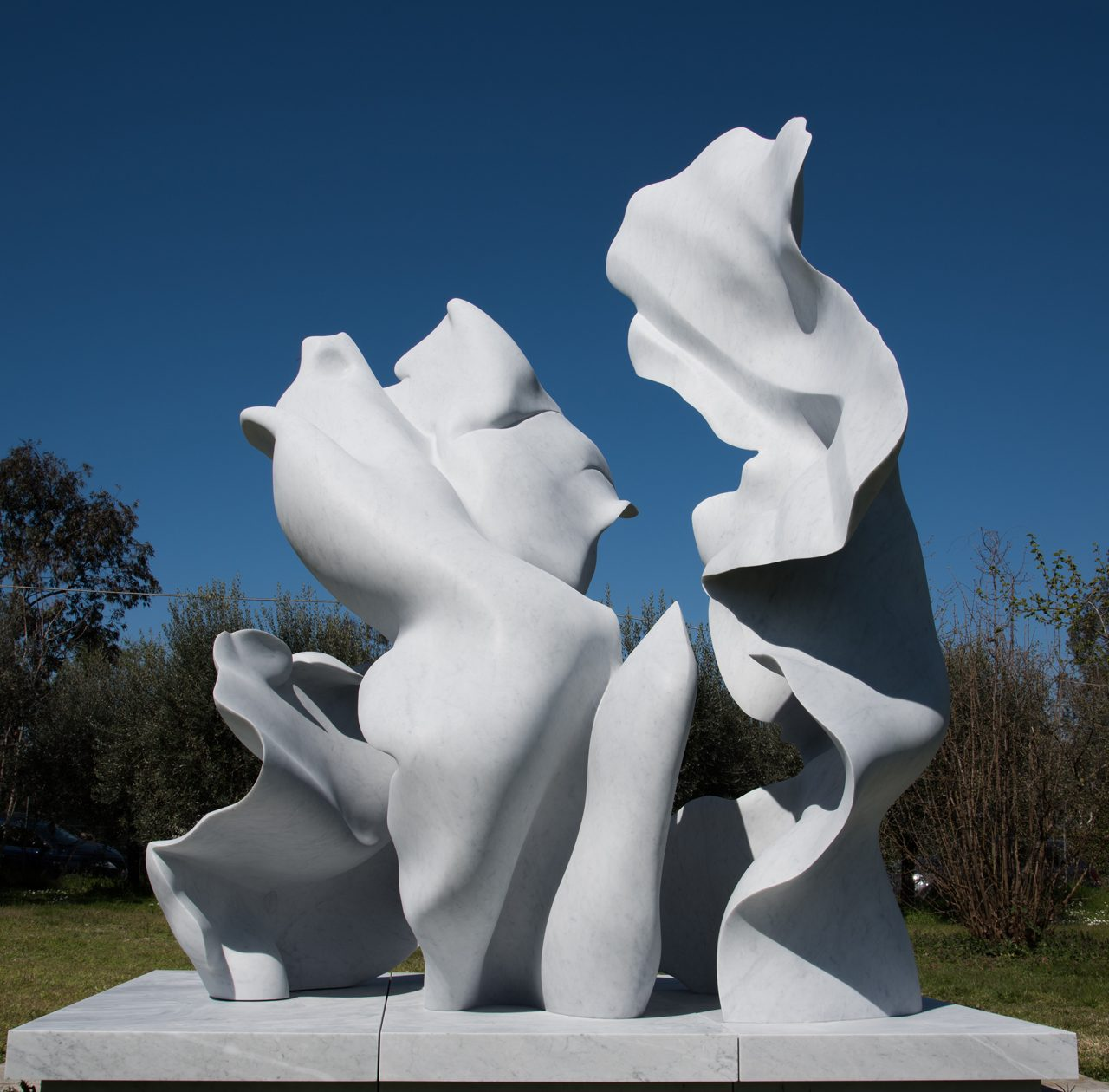 Sculptor Helaine Blumenfeld Presents Largest Solo Exhibition at Canary Wharf