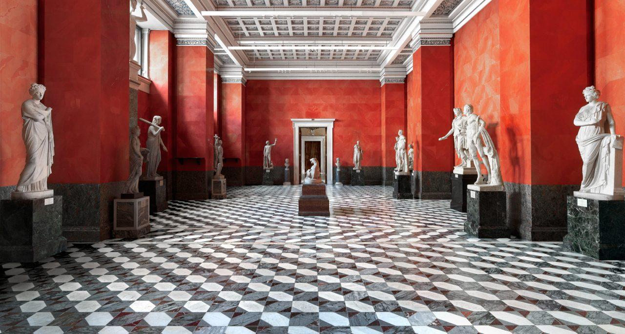 https://www.artsandcollections.com/wp-content/uploads/2019/12/TomassoBrothersFineArt-Listri-Hermitage-1280x684.jpg