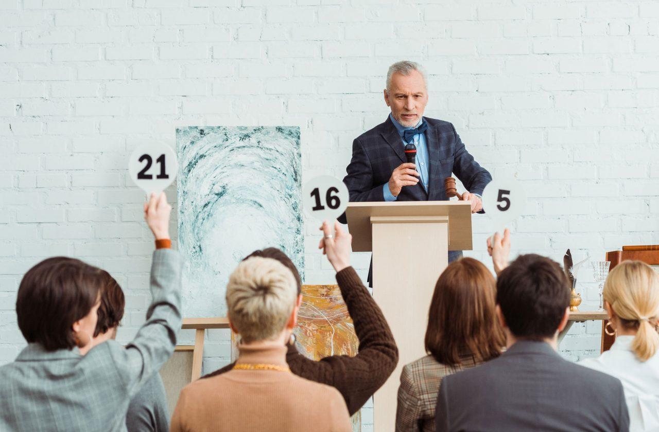 https://www.artsandcollections.com/wp-content/uploads/2020/05/Auction-shutterstock-1280x840.jpg
