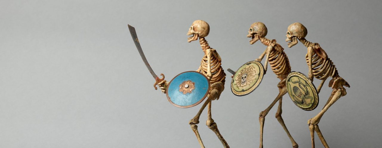 https://www.artsandcollections.com/wp-content/uploads/2020/08/Ray-HARRYHAUSEN-1920-2013-Skeleton-models-from-Jason-and-the-Argonauts-1963-Collection_-The-Ray-and-Diana-Harryhausen-Foundation-Charity-No-1280x497.jpg