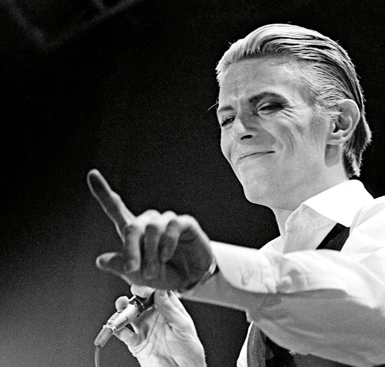 David Bowie: Icon Captures the Star Man's Unique Image