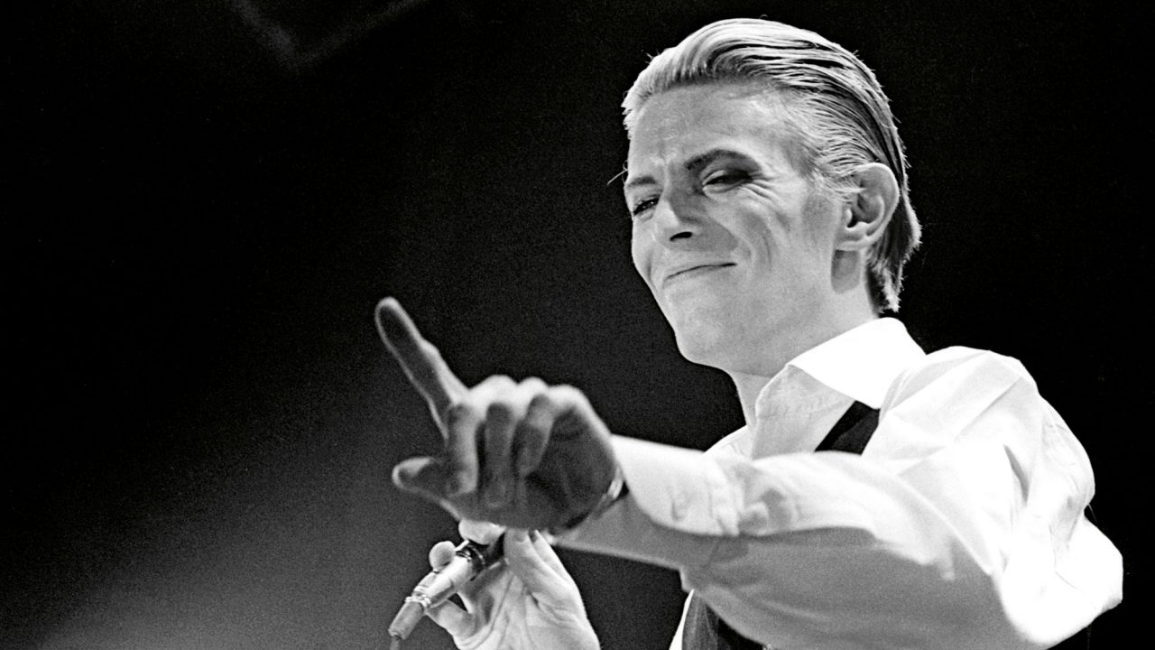 https://www.artsandcollections.com/wp-content/uploads/2021/02/ACC-Bowie-p212-©-Janet-Macoska-1280x720.jpg