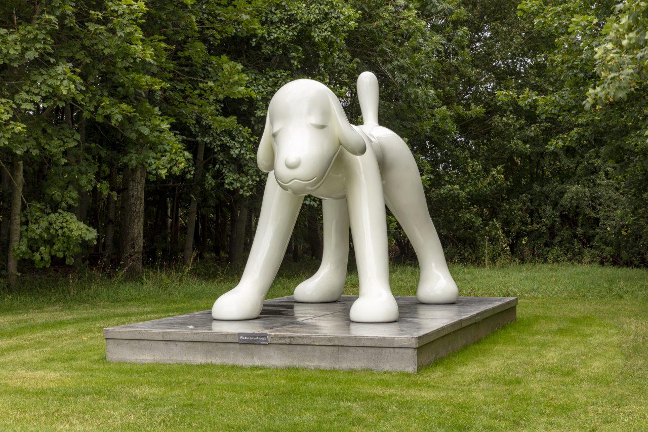 https://www.artsandcollections.com/wp-content/uploads/2021/10/NARA-Your-Dog_13_1-1280x853.jpg